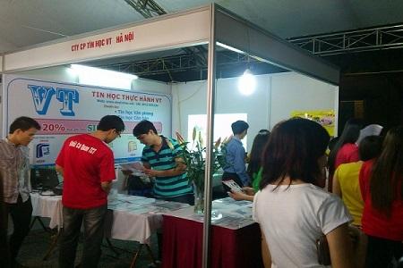 Trung tâm tin học VT tham dự hội chợ Sinh viên